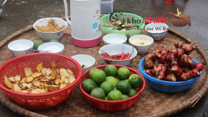 16 loại gia vị được trồng ngay tại địa phương đã làm nên hương vị đặc biệt của món cá kho làng Vũ Đại
