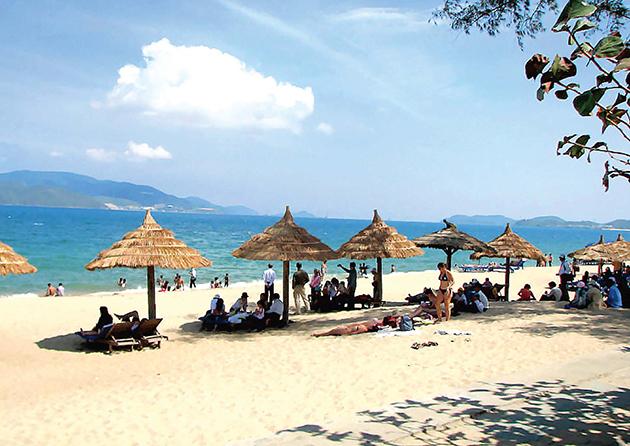Biển Sầm Sơn được mệnh danh là một trong những nơi có đường bờ biển đẹp nhất nước
